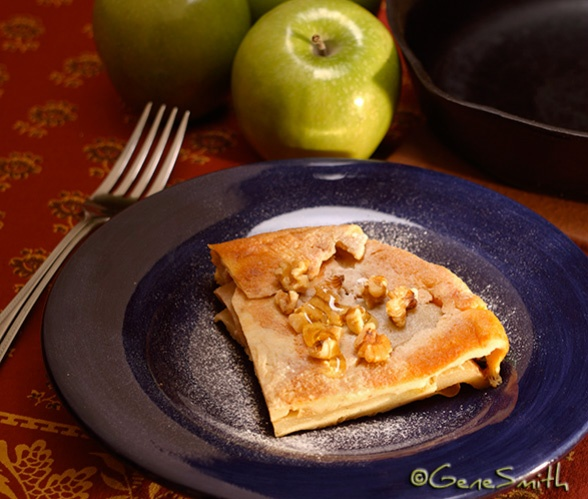 apple turnover on blue plate