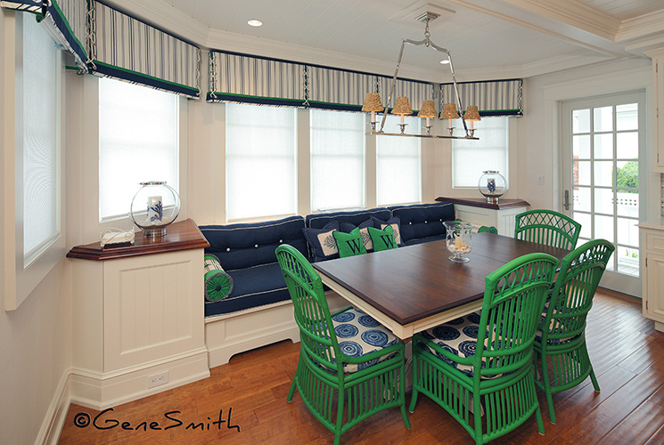 Bay front dinette with green wicker furniture